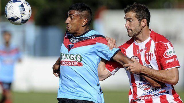 Brown de Adrogué le ganó a Atlético Paraná en el último suspiro