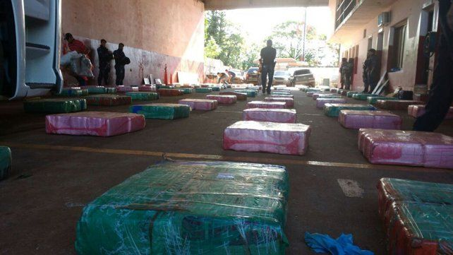 Detuvieron a cinco hombres tras secuestrar cinco toneladas de marihuana