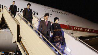 Shinzo Abe llega al país.
