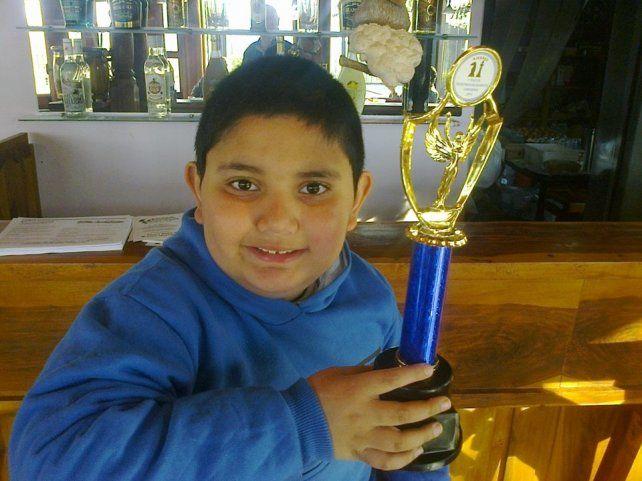 Alejandro tiene debilidad por los trofeos.