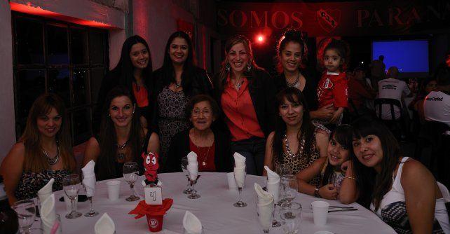 La Agrupación Independiente Paraná disfrutó de su cuarta cena anual