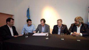 Se firmó un convenio que promete mejorar las comunicaciones móviles