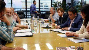 El gobierno y movimientos sociales llegaron a un acuerdo por la emergencia social