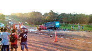 Cuatro personas murieron en un accidente de tránsito en la ruta nacional 12