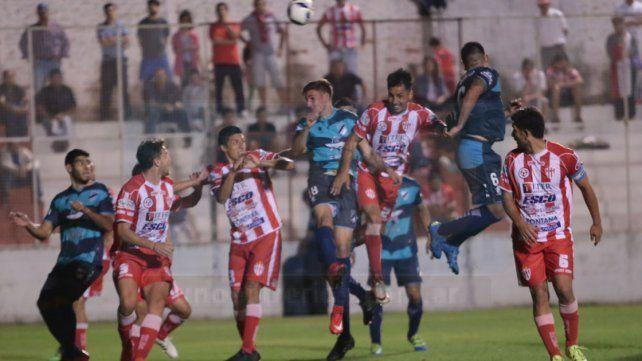 Atlético Paraná sufrió cinco derrotas en sus últimas seis presentaciones.