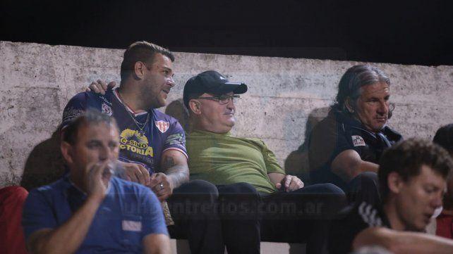 Edgardo Cervilla estuvo presente anoche en el Mutio.