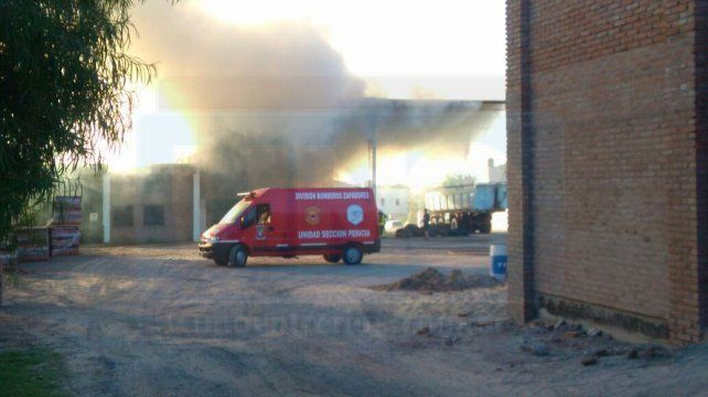 Incendio en un galpón de avenida Zanni
