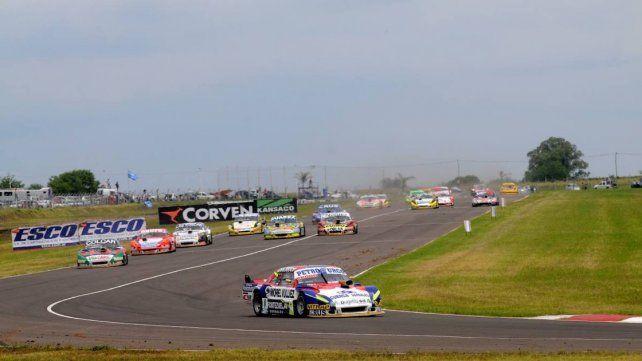 Craparo aprovechó el momento y pasó al frente de la carrera en el inicio de la final.