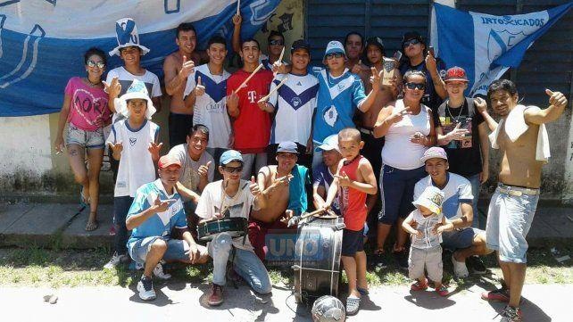La hinchada de Sportivo llegó temprano para ver la Final con Belgrano