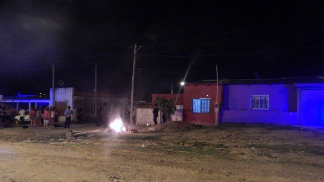 Bronca. Familiares de Benítez quisieron quemar la casa de Báez.