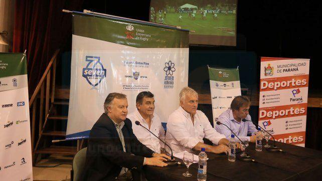 Autoridades gubernamentales y de la UER dieron detalles del torneo de juego reducido.