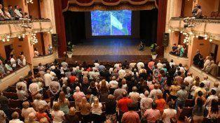 La platea del teatro en el homenaje a Don Humberto. Foto Municipalidad de Paraná.
