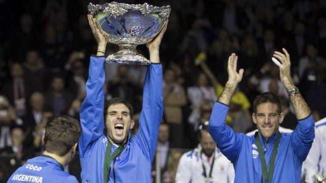 Azul se prepara para recibir a Federico Delbonis, el jugador que definió la Davis