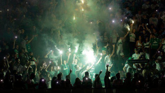 En Chapecó y en Medellín recuerdan al equipo de Chapecoense: hoy se hubiera jugado el partido