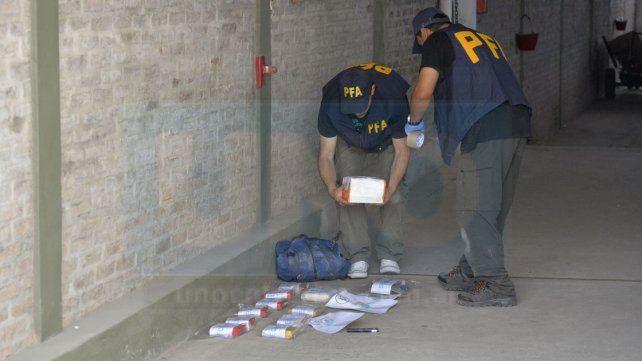Oculta. La droga fue hallada en un depósito subterráneo que había en una cochera.