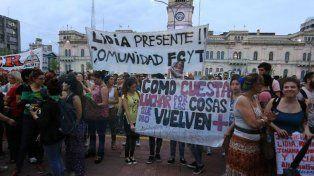 Marcha a Casa de Gobierno exigiendo justicia, luedo del doble femicidio de Ibarra y Milessi
