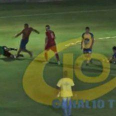 Brutal agresión a un árbitro en la liga de fútbol de Colón