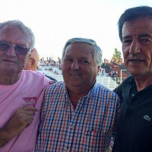 Hollman recibió ayer el respaldo de su par de Vélez, Raúl Gámez, de Alberto Ríos y mucha gente.