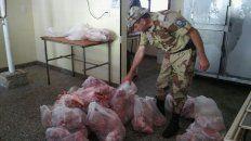 La carne fue entregada para alimentar perros. Foto Policía de Entre Ríos.