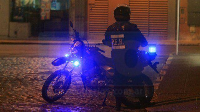 Policías motorizados devolvieron dinero extraviado a la salida de un cajero automático