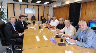 El Gobierno, legisladores y la CGT se reúnen por Ganancias