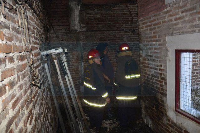 Valiosas pérdidas tras incendio en el centro cultural Gloria Montoya