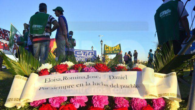 Presentes. La ofrenda floral colocada en homenaje a Eloisa