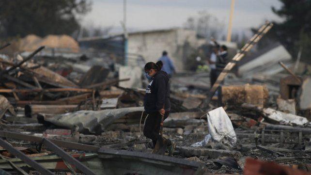 Ya suman 36 los muertos por las explosiones en el mercado mexicano de pirotecnia