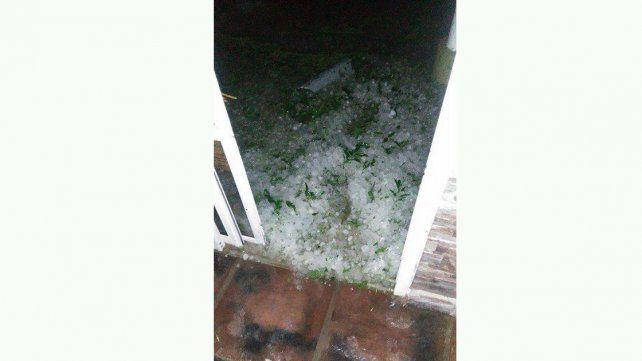 Protección Civil de Paraná asistió a familias tras el temporal
