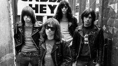 The Ramones – Merry Christmas hablan que no es tiempo de pelear.