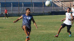 Leguizamón retornó en el 2016 al Lobo. El delantero estuvo dos meses afuera por una lesión.