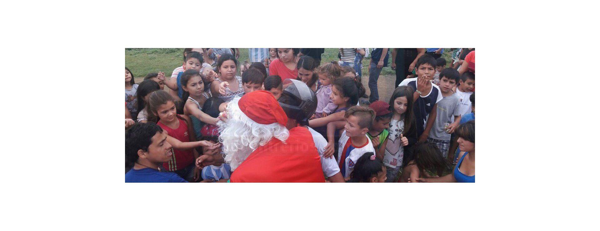 Suma de Voluntades le llevó regalos a chicos del barrio San Martín y Antártida Argentina
