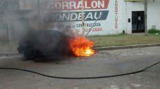 El momento en que las llamas se deboraban el motor.
