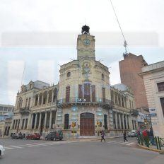 Acordaron un aumento para los empleados municipales de Paraná