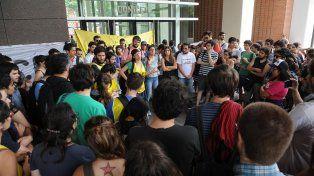 Tensión. En Buenos Aires la protesta duró cinco días. En Diamante y otras ciudades hay malestar.