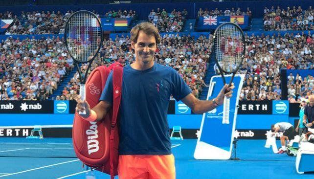 Federer entrenó ante una multitud en Australia
