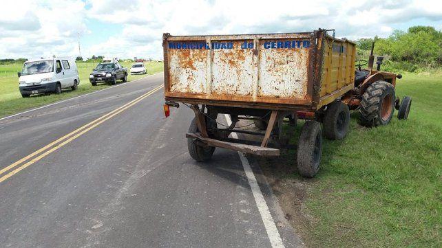 Murió un motociclista al chocar con un acoplado en una ruta entrerriana