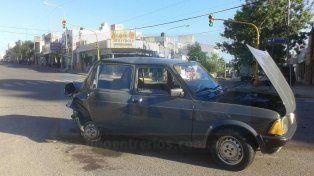 Un mujer fue hospitalizada tras chocar dos vehículos en Paraná