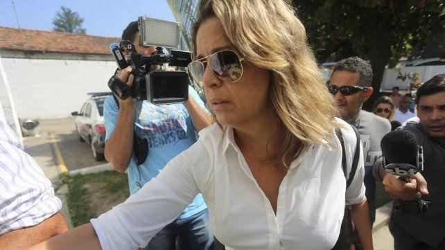 Françoise de Souza Oliveira al arribar a la comisaría para hacer su declaración