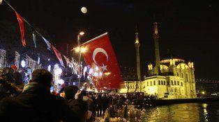 Un ataque en una discoteca en Estambul dejó al menos 39 muertos