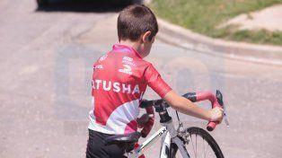 Desde muy pequeños. Los chicos arrancan desde muy pequeños arriba de una bicicleta y aprenden sus valores.