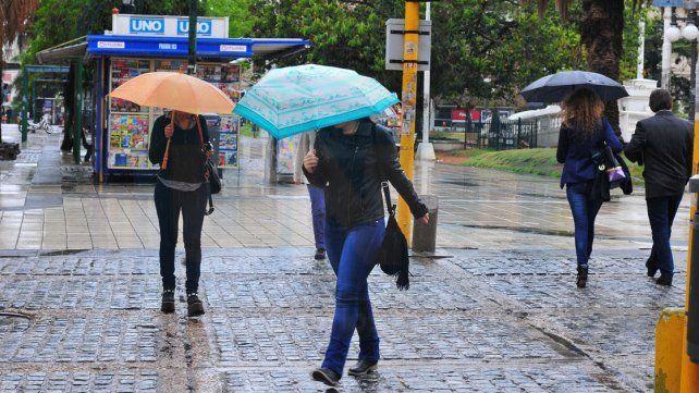 Cesó el alerta por tormentas fuertes pero seguirán las lluvias en la provincia