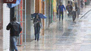 Los 50 milímetros de agua que cayeron en Paraná afectaron a 20 familias
