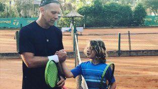 Alejandro Fantino le jugó al tenis a un nene de 8 años y perdió