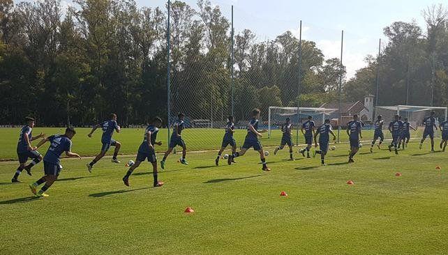 Úbeda eligió a los 23 futbolistas que jugarán el Sudamericano Sub 20