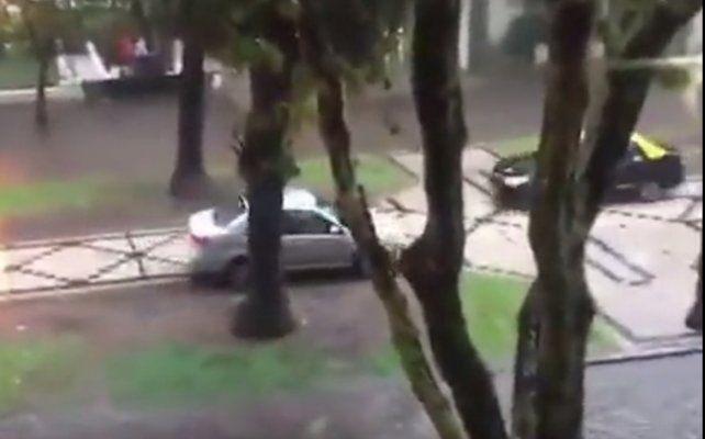 Fuerte tormenta en Rosario deja barrios inundados y cortes de energía