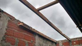 Protección Civil recibió más de 50 llamados y asiste a familias de distintas zonas de Paraná