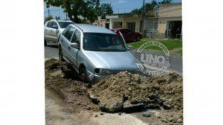 Incrustado en el asfalto