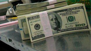 El dólar no deja de caer: cedió a $ 15,72, su mínimo en dos semanas