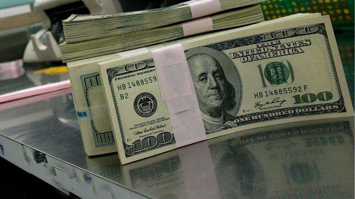Por una sorprevisa intervención del Central, el dólar bajó 50 centavos